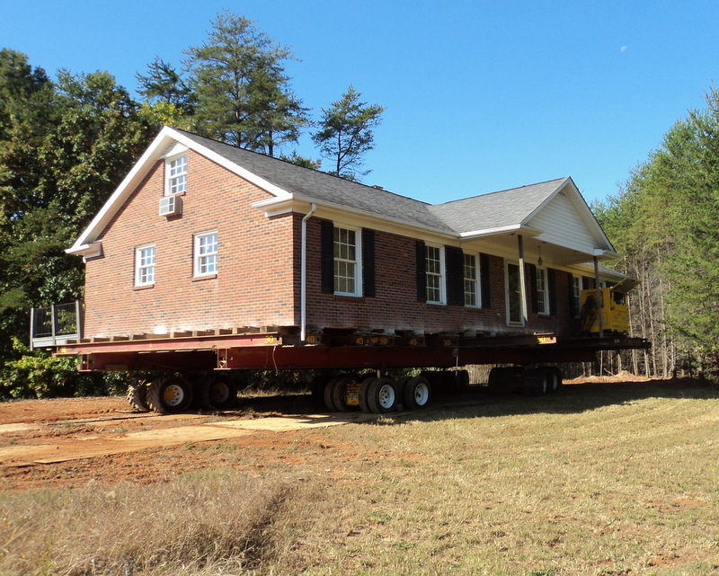 Brick house move oak ridge nc blake moving rigging for Moving home pictures